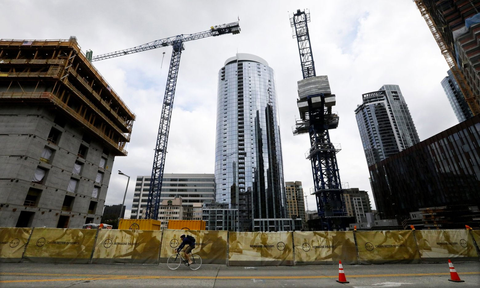 Construction in Downtown Seattle, Photo: Alan Berner, The Seattle Times